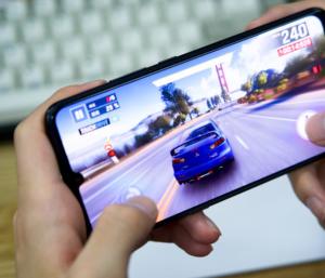 2000 元的预算,你会选骁龙 730 还是骁龙 845 手机?